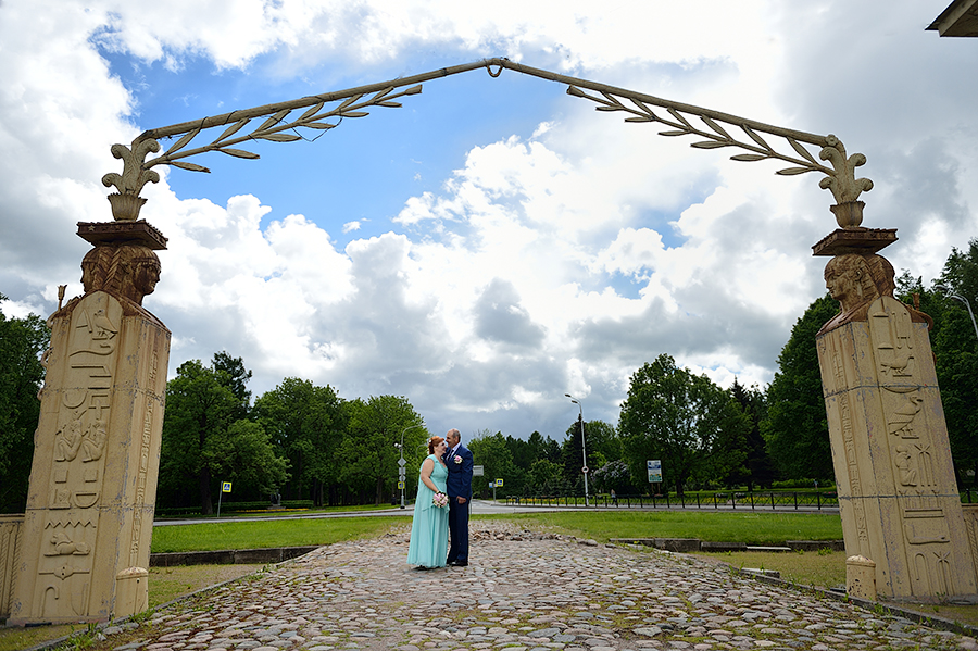 Свадебная прогулка для двоих в Пушкине, места для съемки свадьбы в Пушкине.