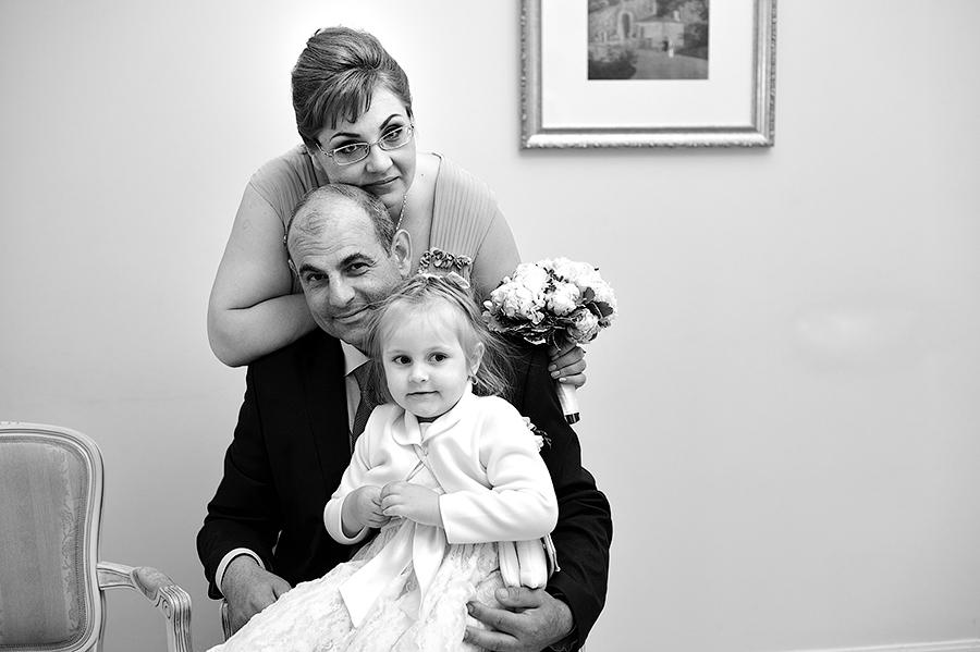Семейная фотосессия на свадьбе.