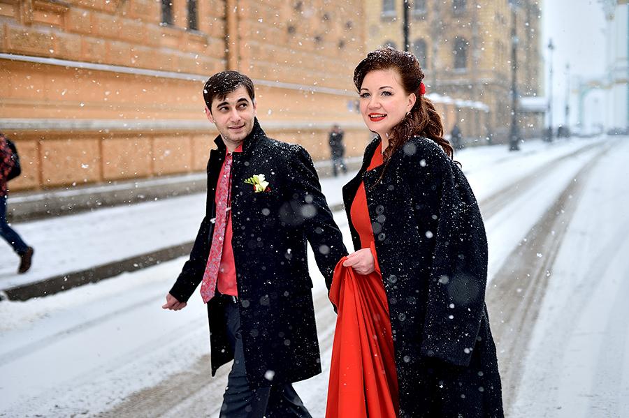Свадебная фотосессия в Петербурге. Свадьба зимой. Красивая свадьба зимой.