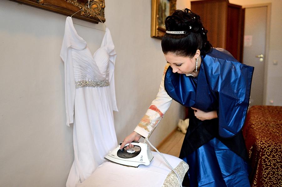 Сборы невесты в отеле в Таллине.