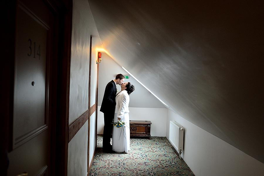 Свадебная съемка в гостинице в Таллинне.