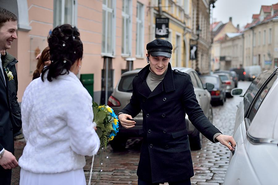 zimnyaya-svadba-v-talline-neobychnye-mesta-dlya-semki-svadby-v-tallinne35