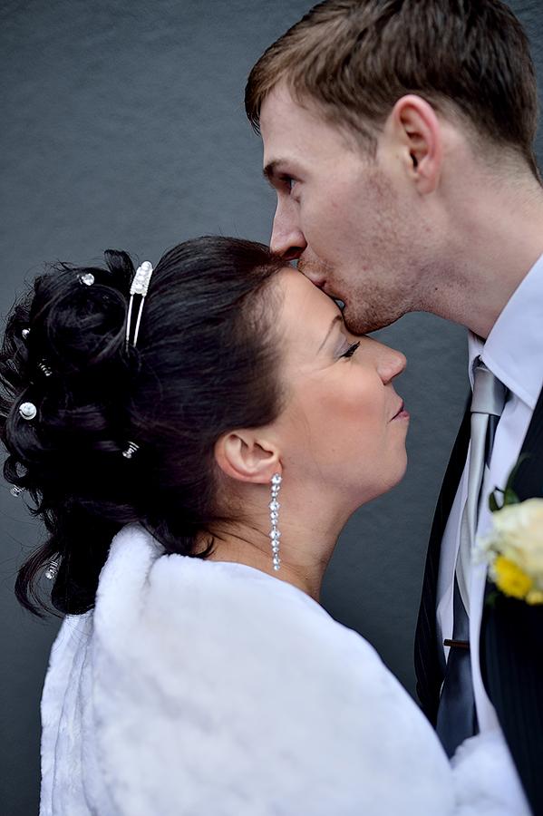 zimnyaya-svadba-v-talline-neobychnye-mesta-dlya-semki-svadby-v-tallinne55